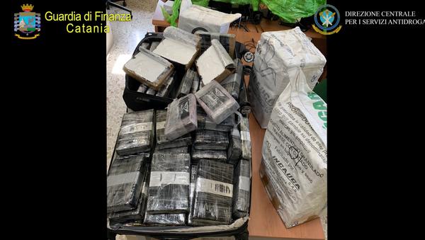 Traffico internazionale cocaina Bogotà – Catania: sequestrati 400 chili - Sputnik Italia