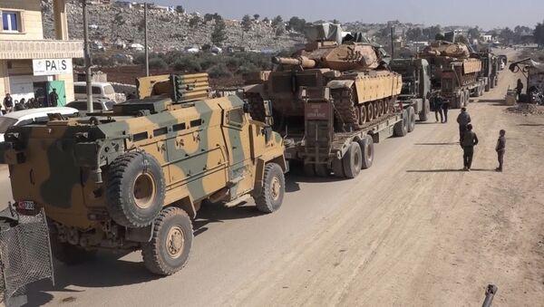 Convoglio militare turco in Siria il 2 febbraio 2020 - Sputnik Italia