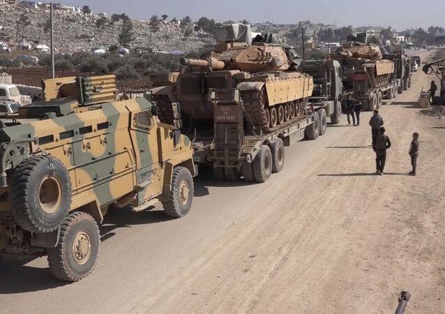 Convoglio militare turco in Siria il 2 febbraio 2020