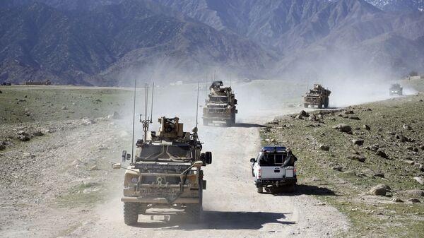 Convoglio di militari afghani e americani nella provincia di Nangarhar, in Afghanistan - Sputnik Italia