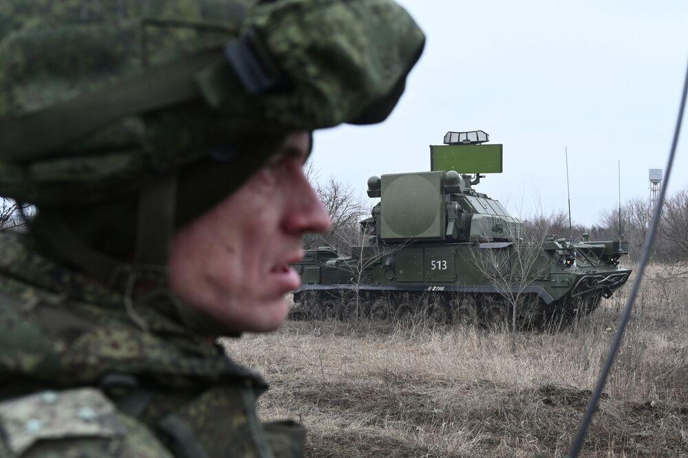 Il sistema antiaereo Tor durante gli addestramenti nell'Oblast' di Rostov, nel sud della Russia.