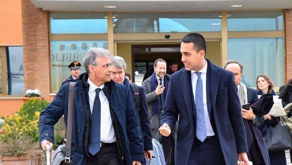 Luigi Di Maio in partenza per Belgrado - Sputnik Italia