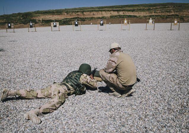 Addestramento Nato a soldato iracheno (foto d'archivio)