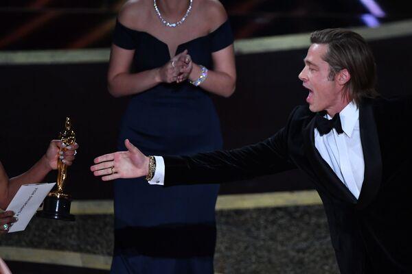 L'attore statunitense Brad Pitt ha vinto il premio Oscar come miglior attore non protagonista per il suo ruolo nel film di Quentin Tarantino - Sputnik Italia