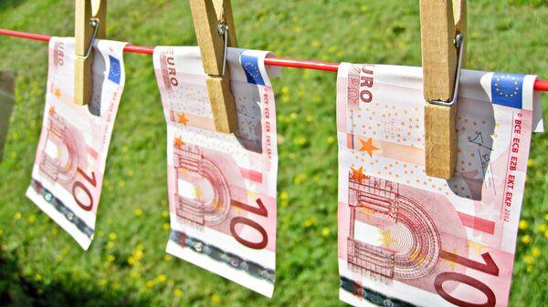 riciclaggio dei soldi sporchi - Sputnik Italia