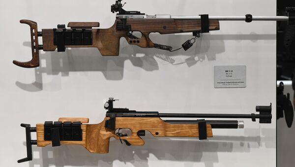 Fucili usati nel biathlon - Sputnik Italia