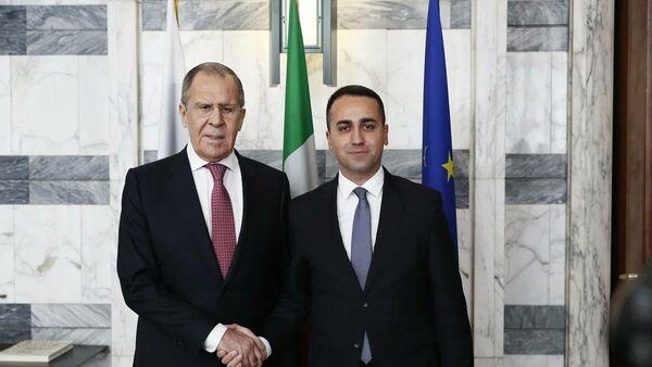 Il ministro degli Esteri russo Sergey Lavrov e il ministro degli Esteri italiano Luigi Di Maio s'incontrano a Roma - Sputnik Italia