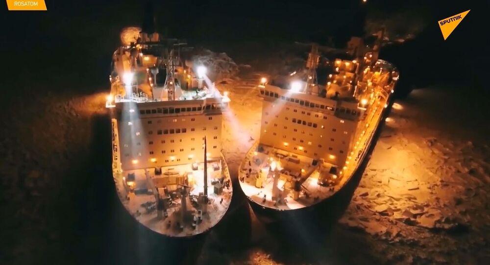 Le rompighiaccio nucleari russe illuminano i ghiacci artici