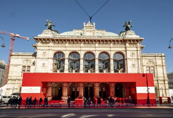 L'Opera di Stato di Vienna è uno dei più importanti teatri lirici del mondo dove gli appassionati dell'opera possono assistere a produzioni di altissimo livello. - Sputnik Italia