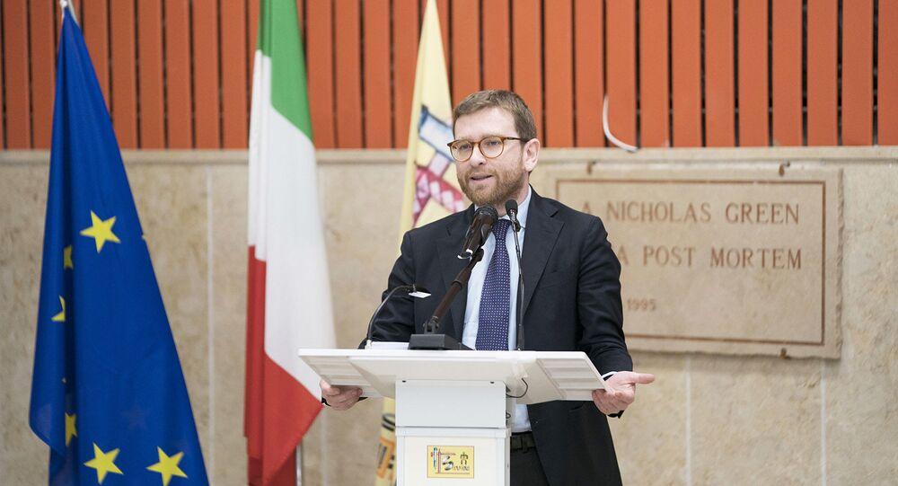 Il Ministro Giuseppe Provenzano presenta il Piano per il Sud presso l'Auditorium dell'Istituto d'Istruzione Superiore 'F. Severi'.