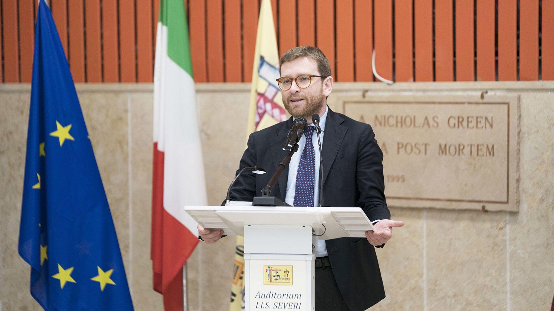 Il Ministro Giuseppe Provenzano presenta il Piano per il Sud presso l'Auditorium dell'Istituto d'Istruzione Superiore 'F. Severi'. - Sputnik Italia, 1920, 01.06.2021