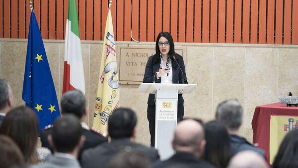 La Ministra Lucia Azzolina presenta il Piano per il Sud presso l'Auditorium dell'Istituto d'Istruzione Superiore 'F. Severi'. - Sputnik Italia