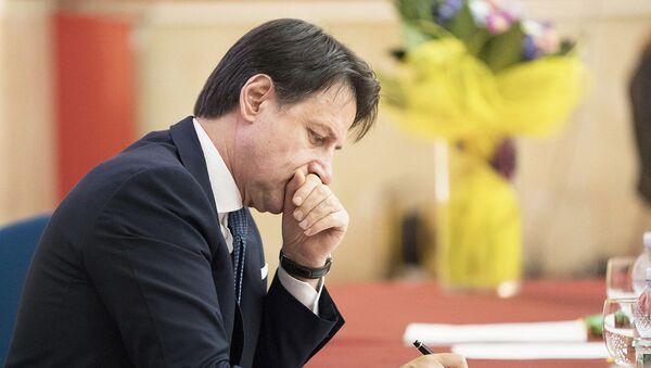 Il Presidente del Consiglio, Giuseppe Conte, presenta il Piano per il Sud presso l'Auditorium dell'Istituto d'Istruzione Superiore 'F. Severi'. - Sputnik Italia