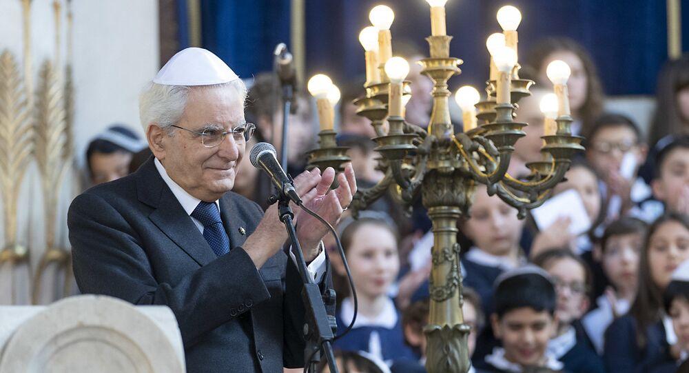 Il Presidente Sergio Mattarella in occasione dell'incontro al Tempio maggiore