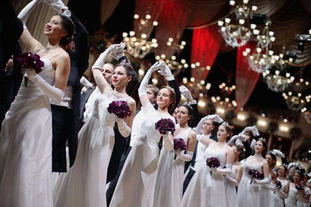 Il ballo delle Debuttanti dell'Opera di Vienna 2020