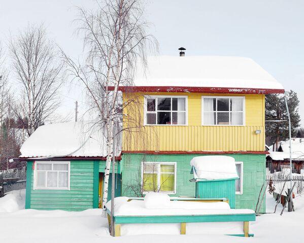 Una casetta di legno nella regione di Arkhangelsk. - Sputnik Italia