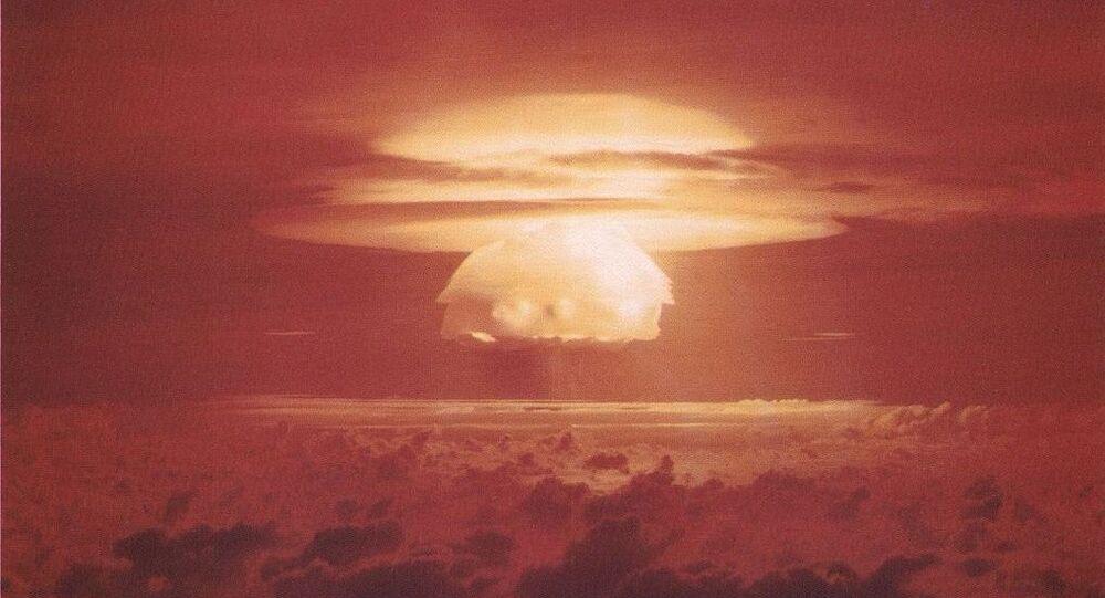 Test nucleare sull'atollo Bikini (foto d'archivio)
