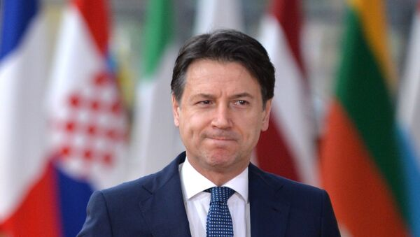 Il primo ministro italiano Giuseppe Conte al vertice UE a Bruxelles - Sputnik Italia
