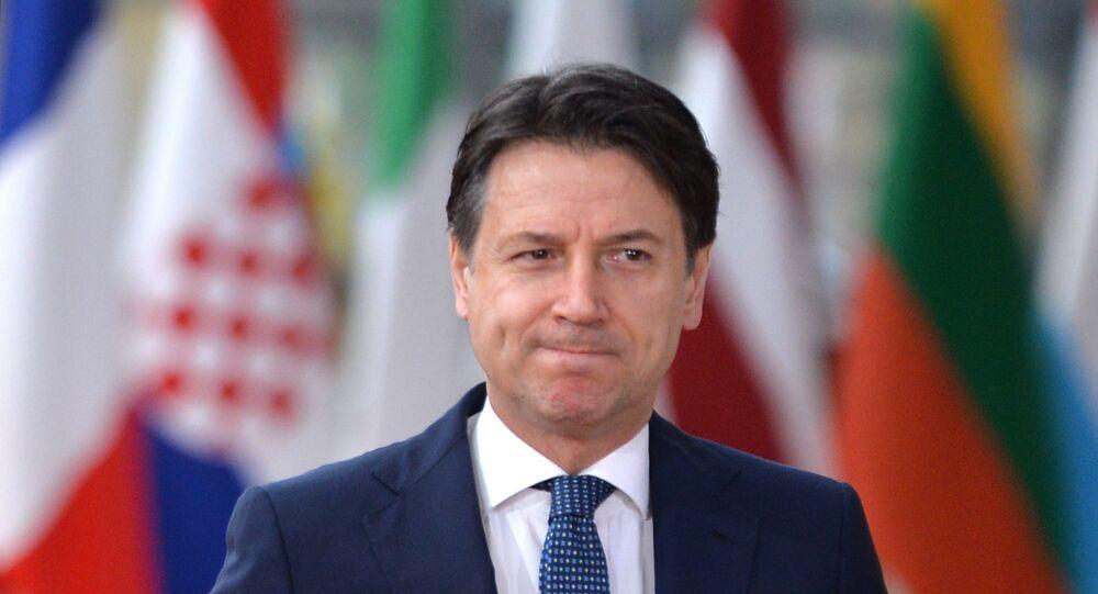 Il primo ministro italiano Giuseppe Conte al vertice UE a Bruxelles