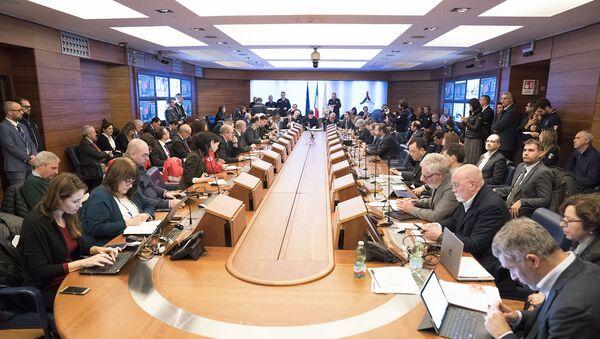 Coronavirus, vertice alla Protezione Civile con il Presidente Conte - Sputnik Italia