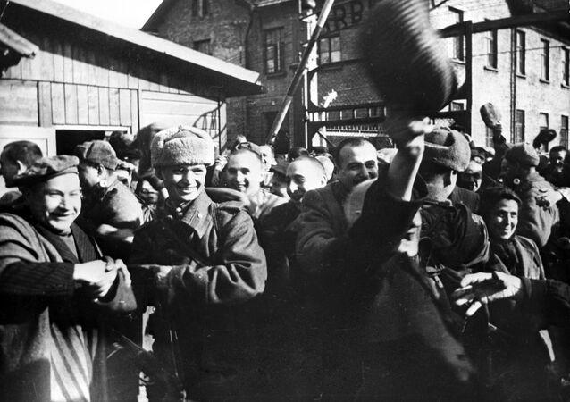 Il campo di concentramento Auschwitz viene liberato dall'Armata Rossa (foto d'archivio)