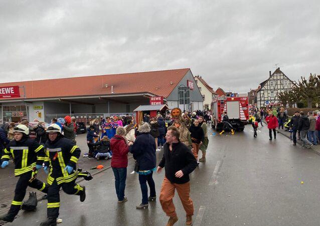 Volkmarsen, Germania, dove un uomo si è lanciato sulla folla con un auto durante il Carnevale.