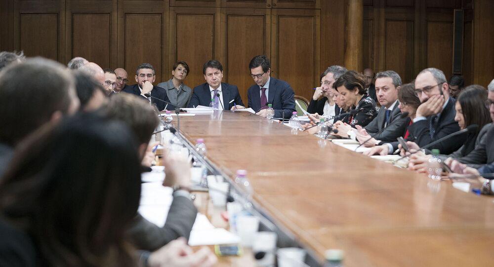 Il Presidente del Consiglio, Giuseppe Conte, ha presieduto a Palazzo Chigi una riunione con i Ministri e gli staff tecnici per definire le ulteriori misure di attuazione del decreto emergenza per il Coronavirus.