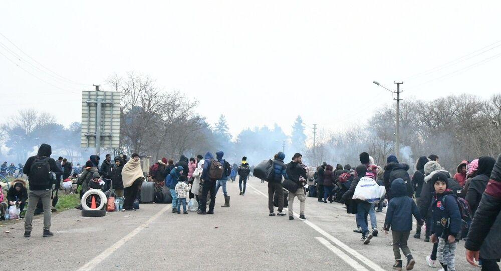 Migranti al confine greco-turco