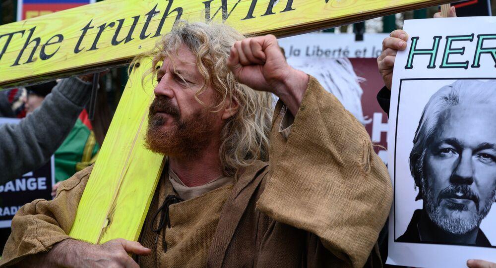 Proteste a sostegno di Assange