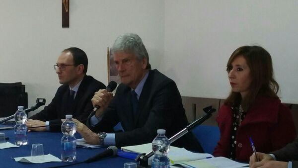 Sen. Cristiano Anastasi (da sinistra), prof. Enrico Rolle (al centro) e l'ingegnere Cecilia Corrao, Responsabile Unico del Procedimento per la Sicilia - Sputnik Italia