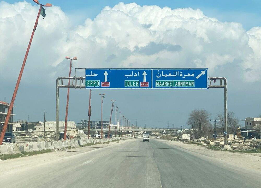 L'autostrada M5 Damasco-Aleppo nei pressi di Maarat al Numan nella provincia di Idlib, Siria.