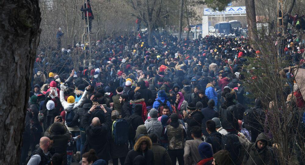 Migranti alla frontiera tra Turchia e Grecia