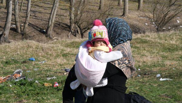 Rifugiati alla frontiera tra Turchia e Grecia - Sputnik Italia