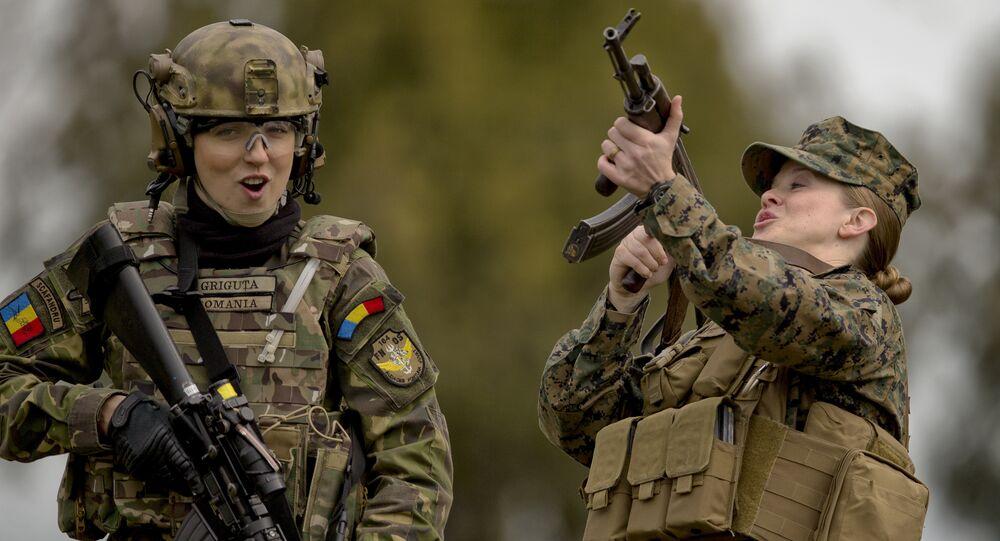 Militari della NATO durante le esercitazioni Spring Storm 2017