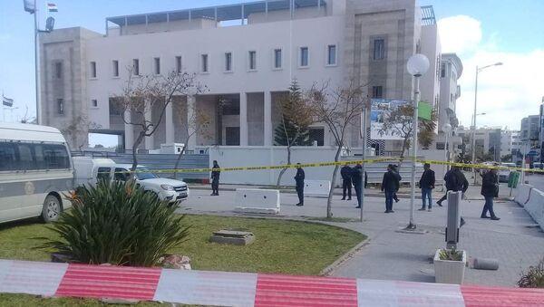 Uomo si fa esplodere vicino all'ambasciata Usa in Tunisia - Sputnik Italia