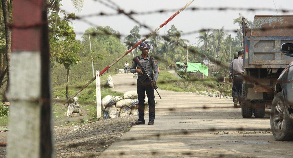 Un poliziotto in Birmania