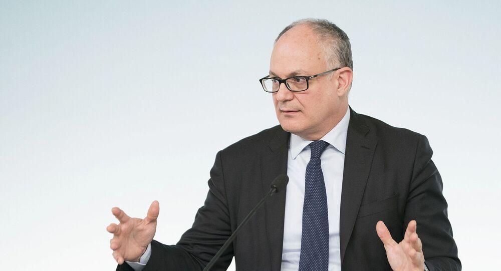 Il ministro dell'Economia e delle Finanze Roberto Gualtieri (foto d'archivio)