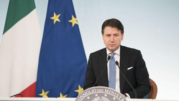 Il Presidente del Consiglio, Giuseppe Conte, in conferenza stampa al termine del Consiglio dei Ministri - Sputnik Italia