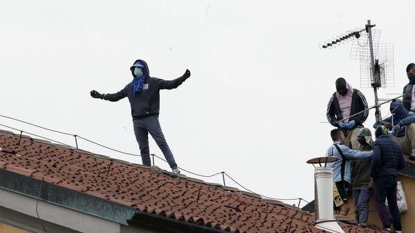 Rivolta in carcere San Vittore a Milano - Sputnik Italia
