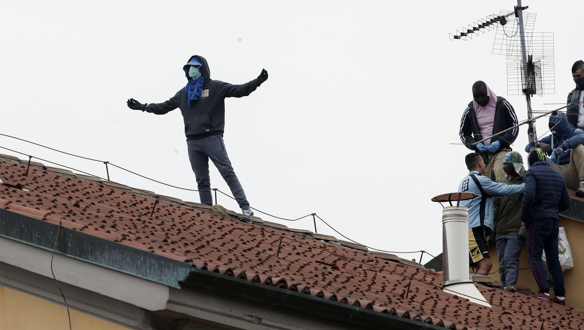 Rivolta in carcere San Vittore a Milano - Sputnik Italia, 1920, 17.02.2021