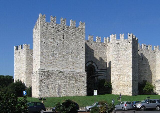 Il Castello dell'imperatore di Prato, vista da S-E
