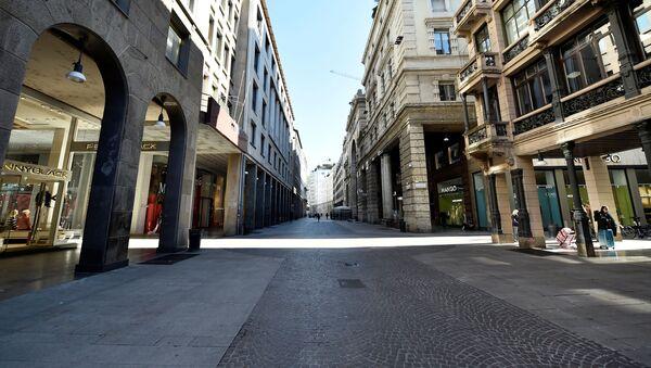 Una via deserta a Milano - Sputnik Italia