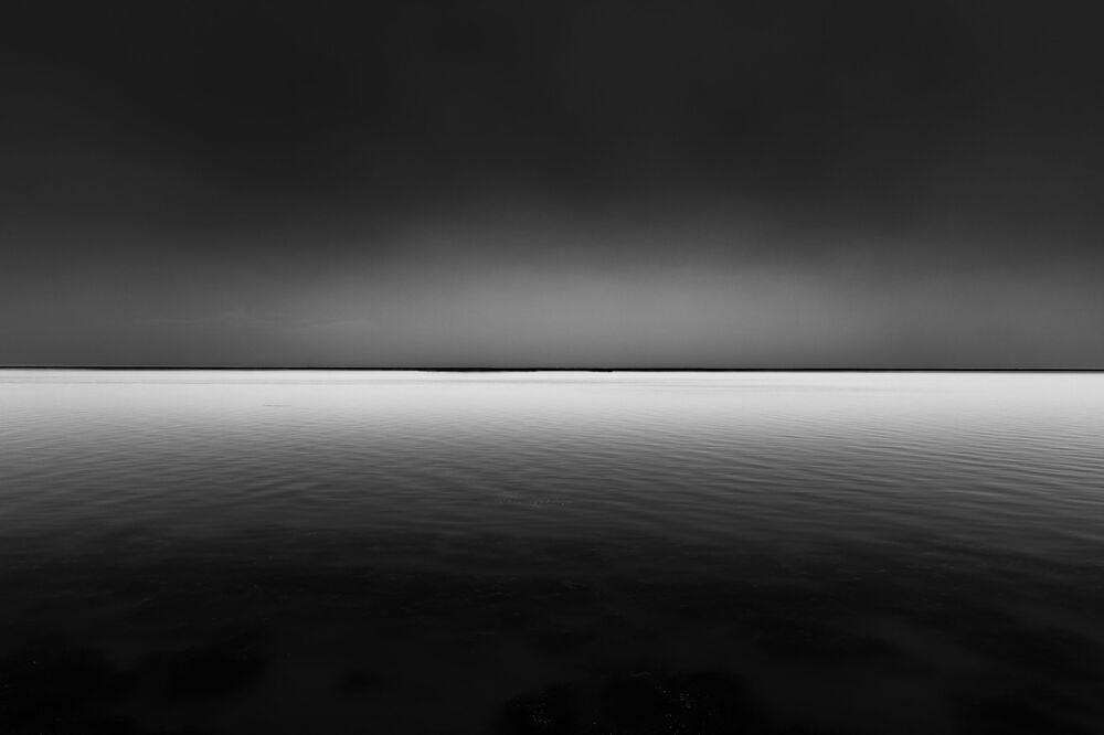 Lo scatto The cold lake del fotografo cinese Bruce Bai.