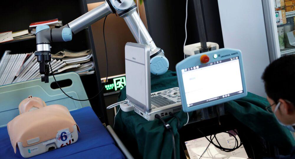 Robot per tamponi coronavirus creato in Cina
