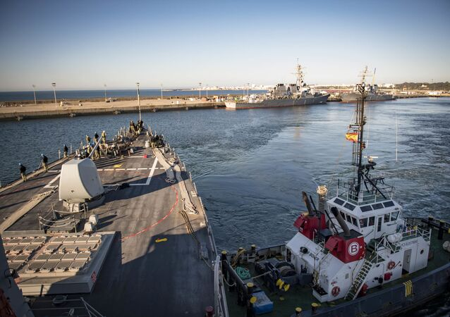 USS Donald Cook nella base navale di Rota, in Andalusia (archivio)