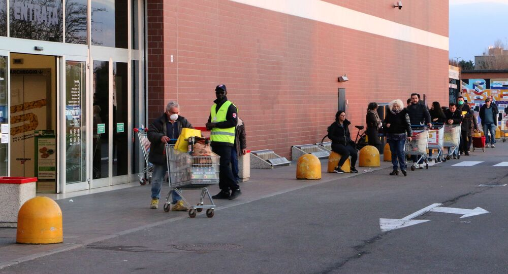 La coda al supermercato