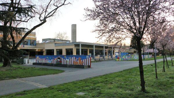Una scuola chiusa - Sputnik Italia