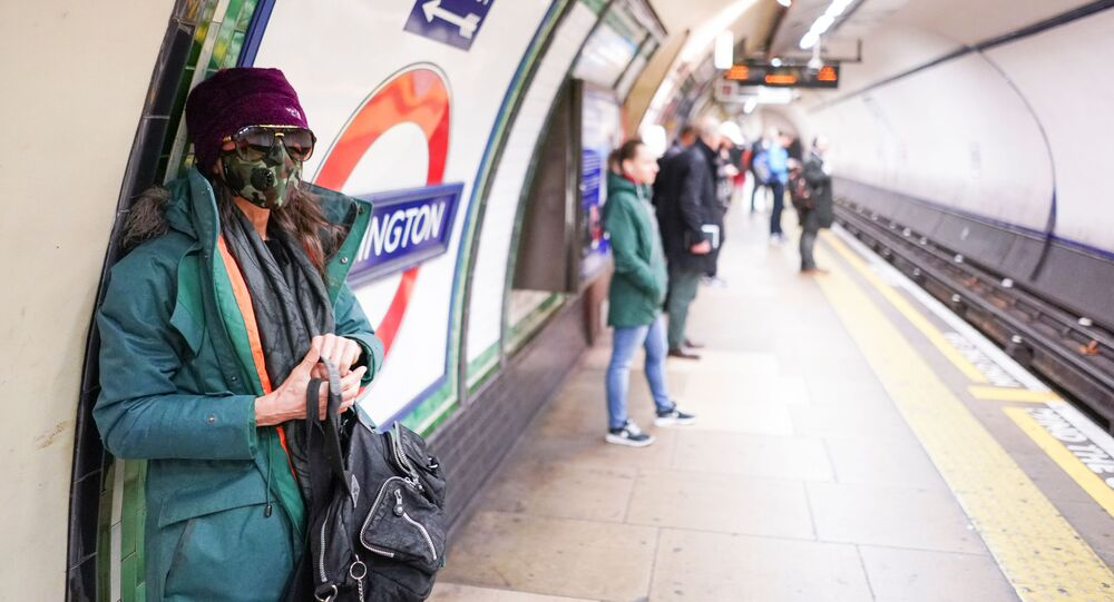 Metro Londra coronavirus