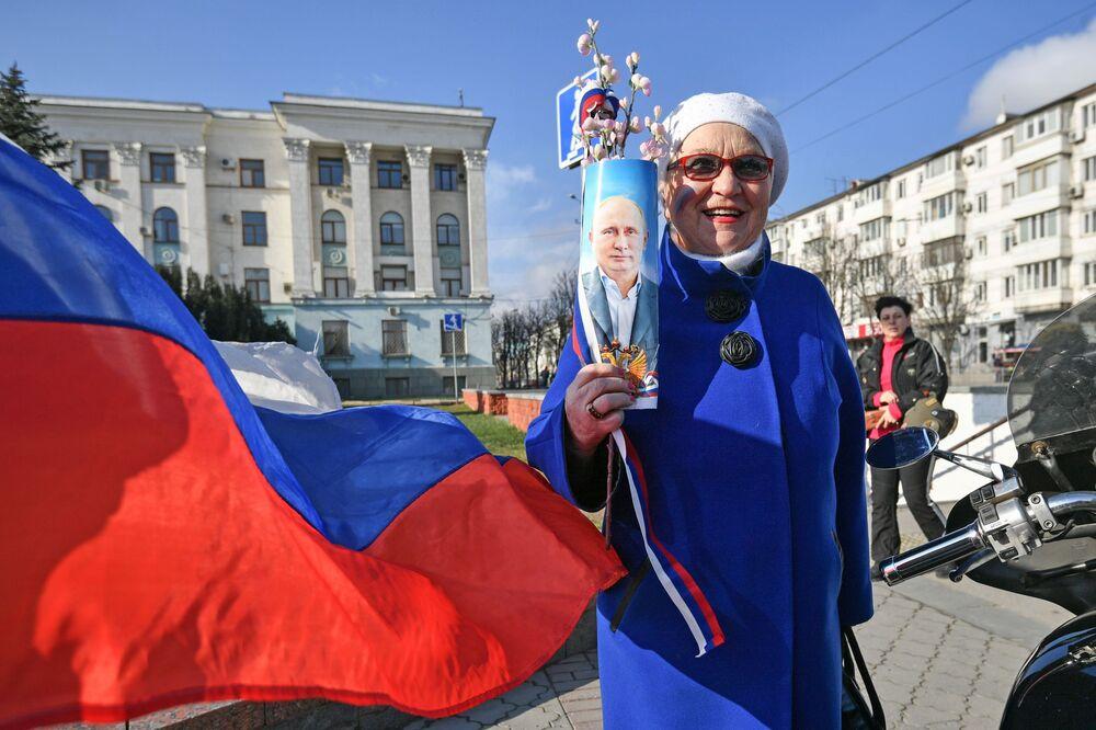 Le celebrazioni del sesto anniversario della reintegrazione della Crimea con la Russia a Sinferopoli.