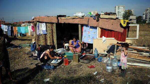 Luogo di soggiorno di una famiglia rom in Bulgaria - Sputnik Italia
